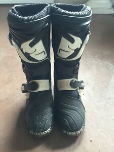2 PAIRS Kids Thor dirtbike boots - size 5