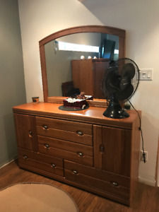 Dresser. 2 night tables