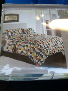 Twin duvet cover set NEW $35
