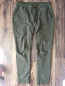 Green Roots Fitted Sweat Pants (M)