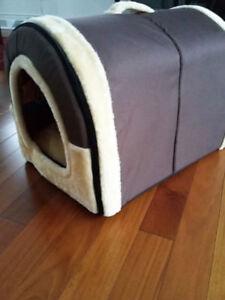 Maison-niche pour chien-chat démontable en tissu.