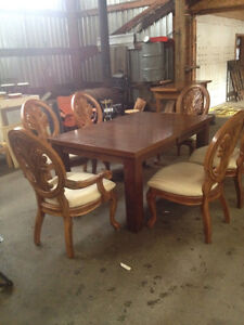 Dining Table w/ 6 beautiful chairs