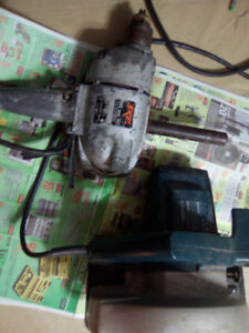 1/2 INCH DRILL-( 500 RPM). PLUS 2-1/4 hp SKIL SAW BOTH FOR 40.00