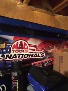 Selling a limited edition MAC tool box $ 3,500