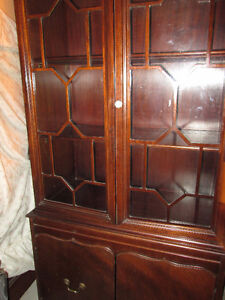 4 DAY SALE! Lovely Antique Mahogany China Cabinet-AN ESTATE FIND