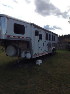 Horse trailer with LQ