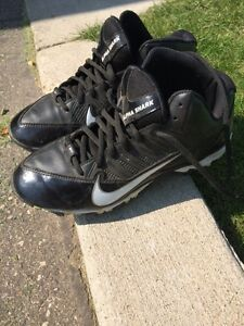 Nike Football Cleats Size 6 Youth