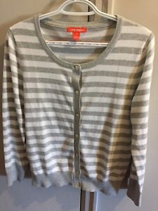 Woman's sweater size small