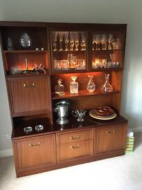 Display unit with drinks cabinet