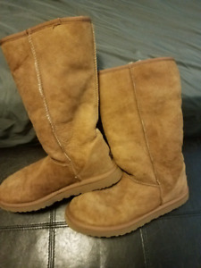 UGG BOOTS WOMENS SIZE 10 CHESTNUT