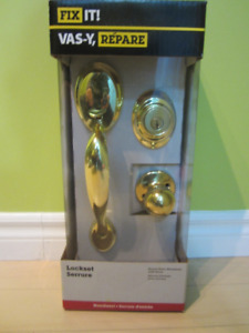 NEW in the box Door Handel set with deadbolt lock