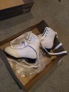 Figure skates child size 11
