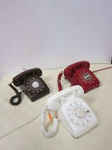Vintage Desk Phone -- FROM PAST TIMES Antiques - 1178 Albert St