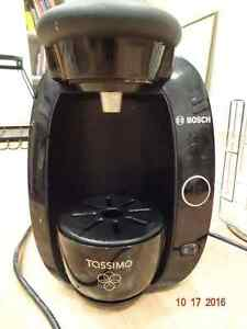 Bosch Tassimo T20 Coffer Maker AND Tassimo Cup Organizer Kitchener / Waterloo Kitchener Area image 2