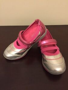 Kenneth Cole girls Mary Jane shoes size 9.5