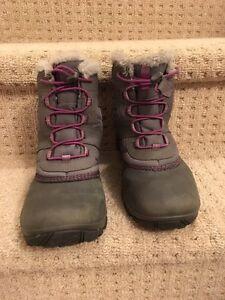 Girls size 3 Columbia boots London Ontario image 1