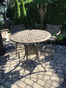 Outdoor Patio Cast Aluminum Bistro Bar Table and 4 Chairs
