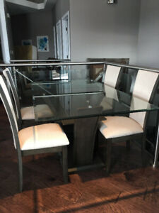 brand new dinning room table and 4 chairs