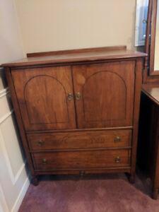 Solid Walnut Gibbard Bedroom Furniture - Antique