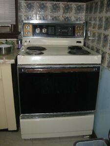 Used Fridge & Stove Cambridge Kitchener Area image 3