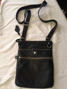 Roots Leather Venetian Prince Crossbody
