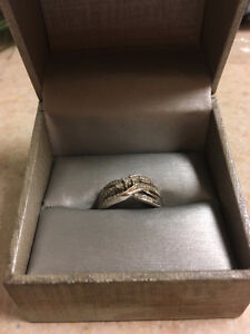 Beautiful Silver cubic zirconia ring size 7