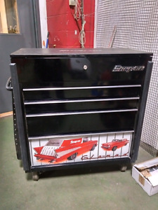 Snap-on power cart toolbox