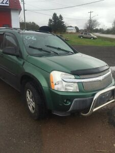 2005 CHEVY EQUINOX AWD 1500.00$@902-887-2222