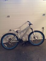 Giant dirt jumper bike, brass 1