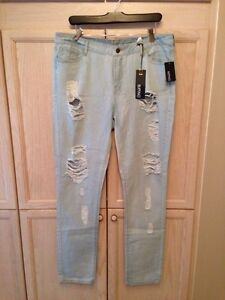 Buffalo David Bitton  Women's ripped jeans (NWT) size 32