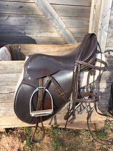 English saddle package. 18inch seat. 200 OBO