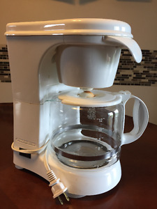 12-Cup Coffee Pot