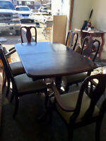 8 Piece Dining w 8 chairs and hutch