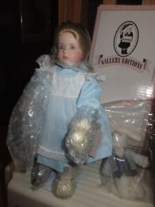 """FROM THE WENDY LAWTON DOLL COMPANY IS """"ALICE IN WONDERLAND"""""""