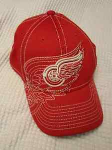 Detroit Red Wings Hat - New - Size L/XL Edmonton Edmonton Area image 1