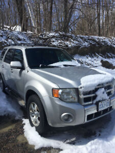 2009 Ford Escape Limited SUV, Crossover (CERTIFIED AND SAFETIED)