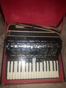 Baille Piano Accordian