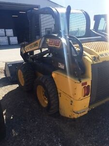 2012 New Holland L218 Skid Steer London Ontario image 3
