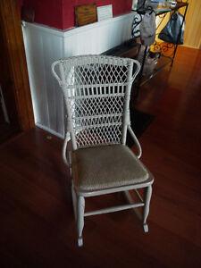 Antiqu White Wicker rocking chair London Ontario image 2
