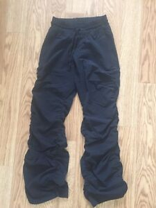 Under armour track pant size XS