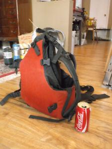 petit sac a dos de cycliste camping La Cordée osprey état neuf