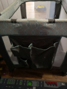 Baby playpen/bassinet,changing table