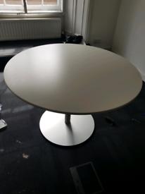 White bene office table