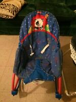 Baby rocking seat and travel bassinet