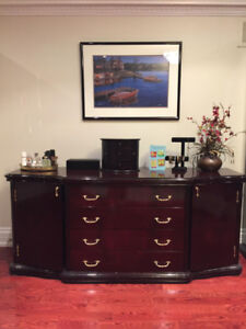 8 Pieces of Furniture (Dresser/Side Tables/ Headboard)