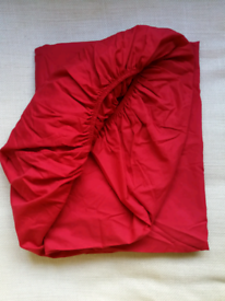 Tu Double Fitted Red Bed Sheet