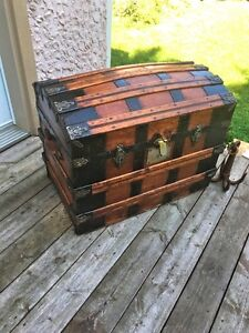 Antique trunk malle coffre 1880's refinished