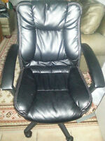Black Leather Office Chair (Can Deliver)