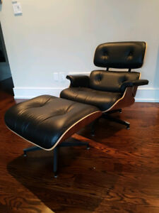 Authentic Herman Miller Eames Lounge Chair & Ottoman