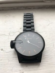 Nixon Chronicle SS Matte Black Dark Tortoise Magnified 100M